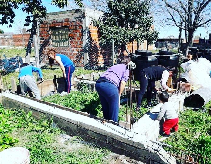 Taller de Mujeres Constructoras Barrio 6 de Enero, Cuartel V, Moreno.