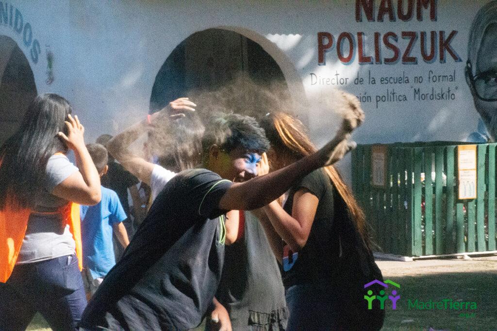 jovenes en el cierre del septimo preforo de niñas niños y adolescentes en Moreno.